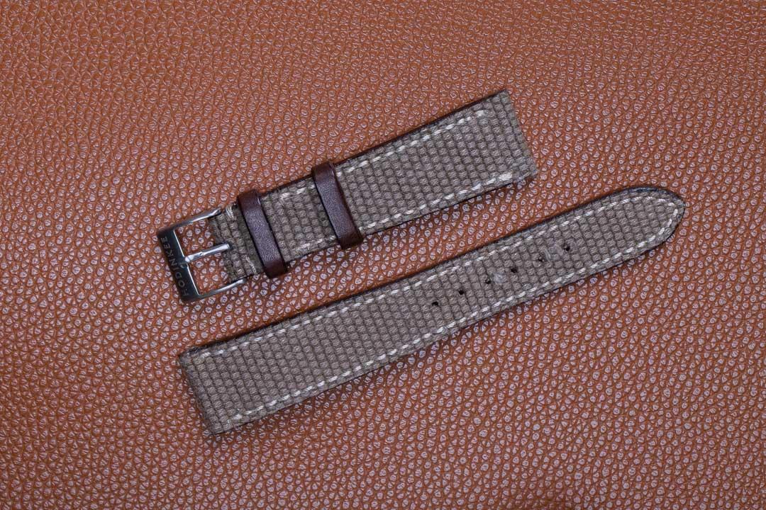 01-hodinkee-canvas-and-leather-watch-strap-gebraucht-IMG_3240.jpg