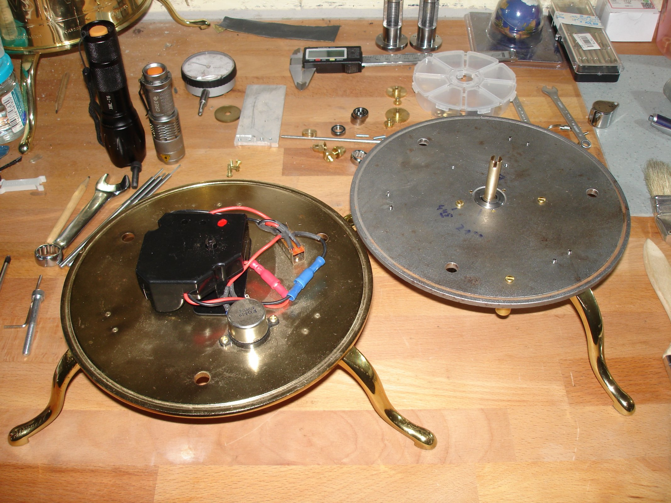 06 Grundplatte original und umgebaut.JPG