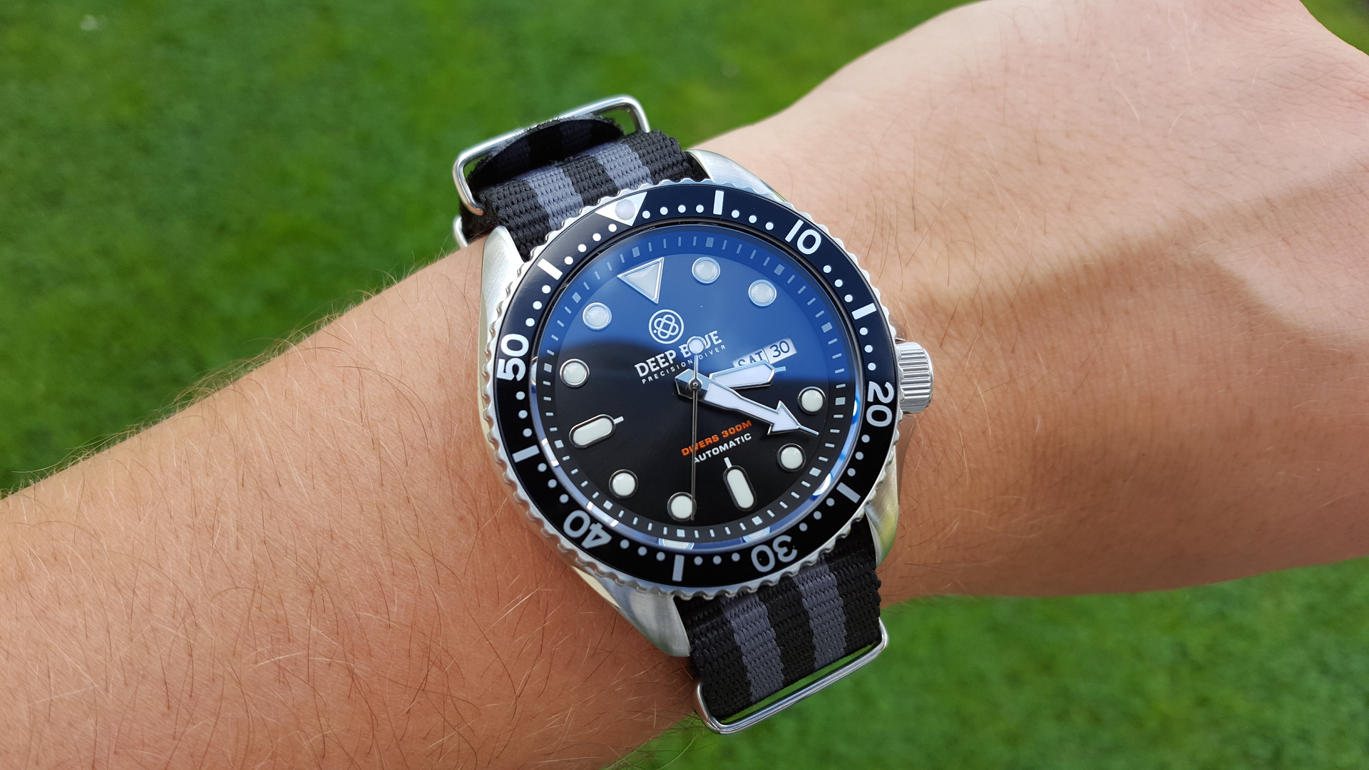 Erledigt deep blue nato diver 300m black uhrforum - Dive deep blue ...