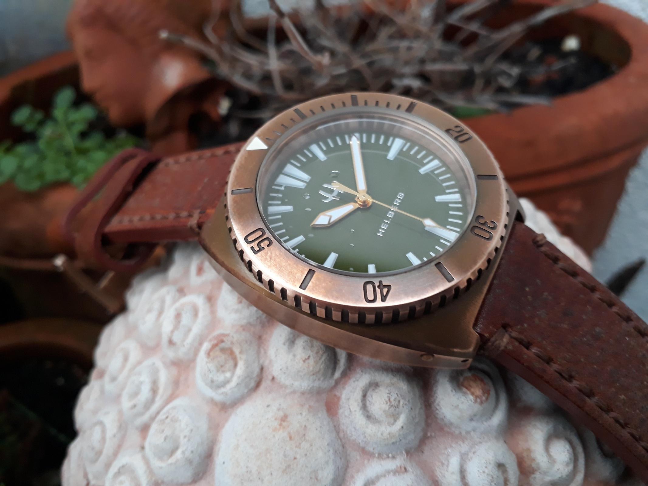 Erledigt] HELBERG CH6 Bronze + Bronze Lünette, Olive-Blatt, Full ...