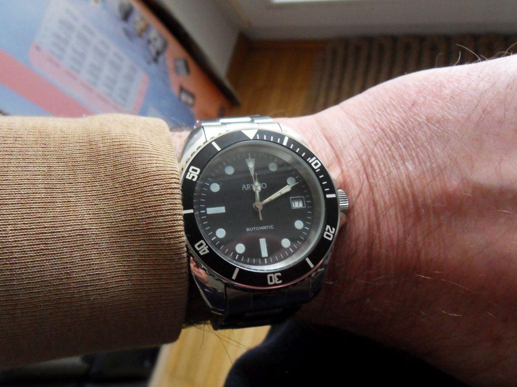 Aristo 4H13TU Wrist 2.jpg