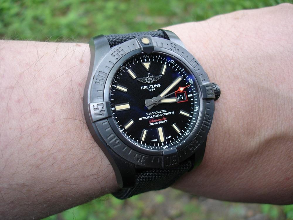Breitling Avenger Blackbird 44 - UhrForum