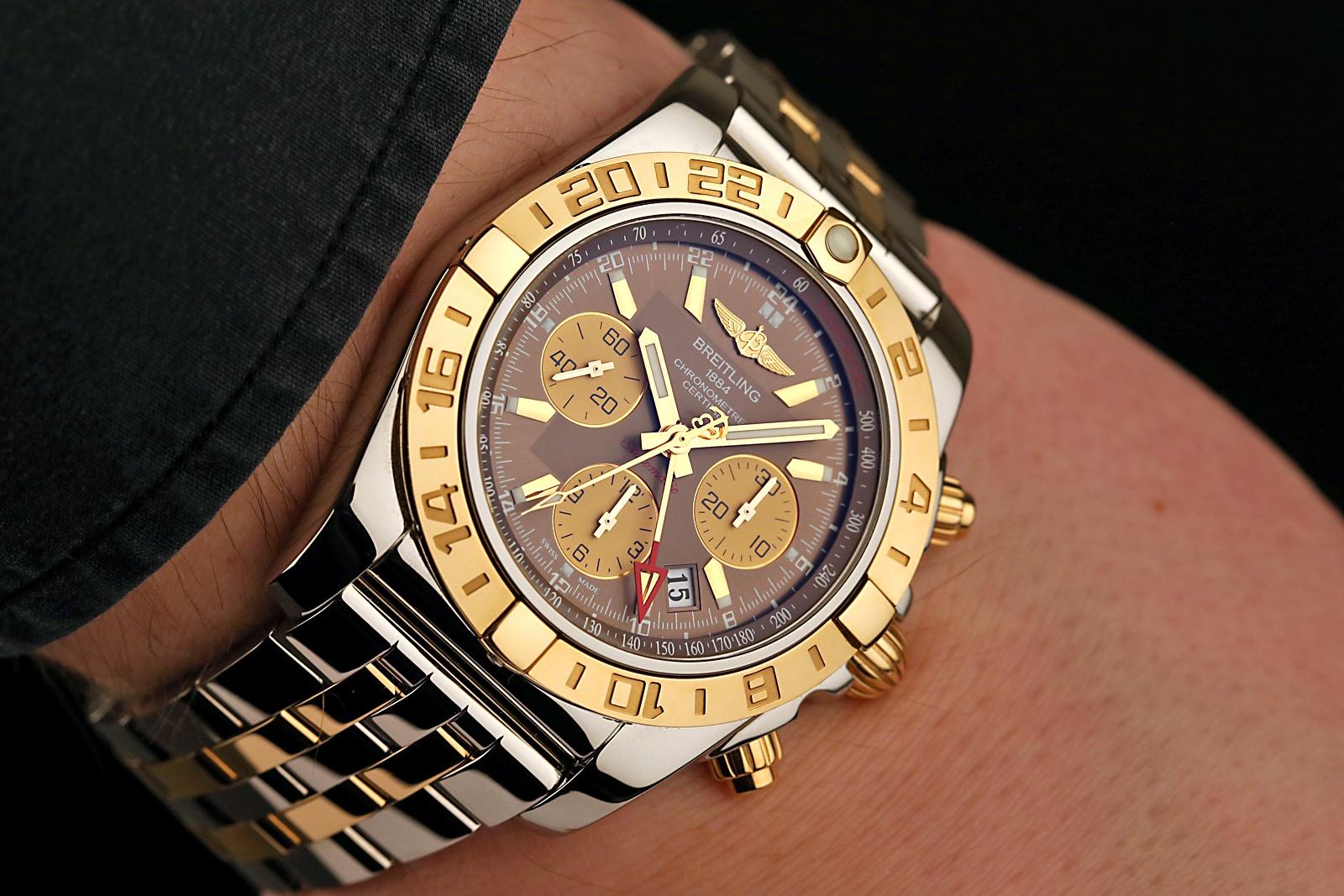 chronomat_wristshot.jpg