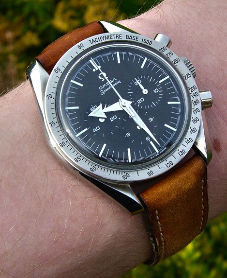replica omega speedmaster broad arrow