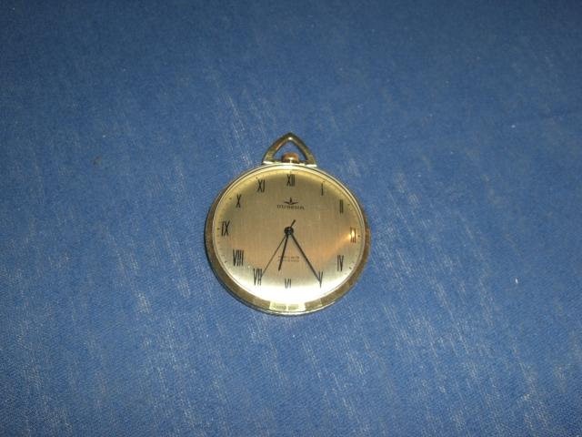 2 uhrenerbst cke dugena taschenuhr gold und russische armbanduhr uhrforum. Black Bedroom Furniture Sets. Home Design Ideas