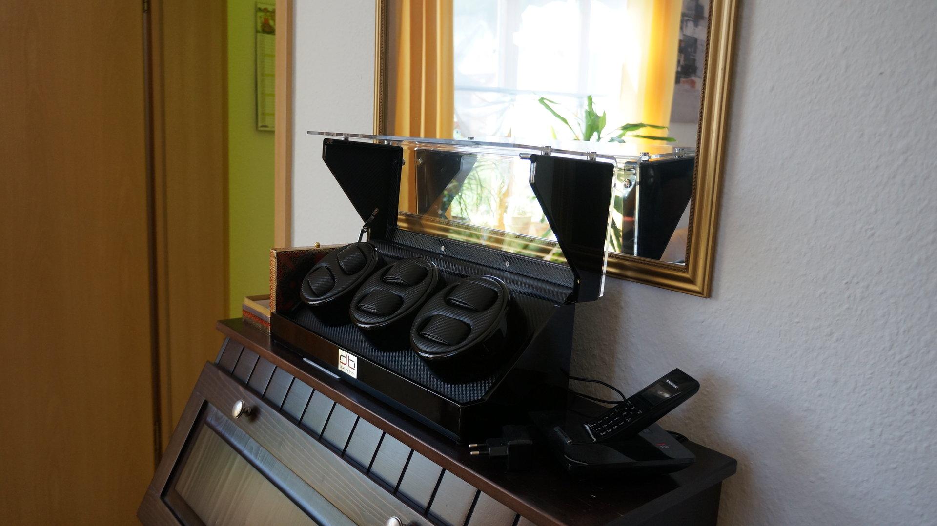 erledigt uhrenbeweger f r 6 uhren in carbonoptik uhrforum. Black Bedroom Furniture Sets. Home Design Ideas