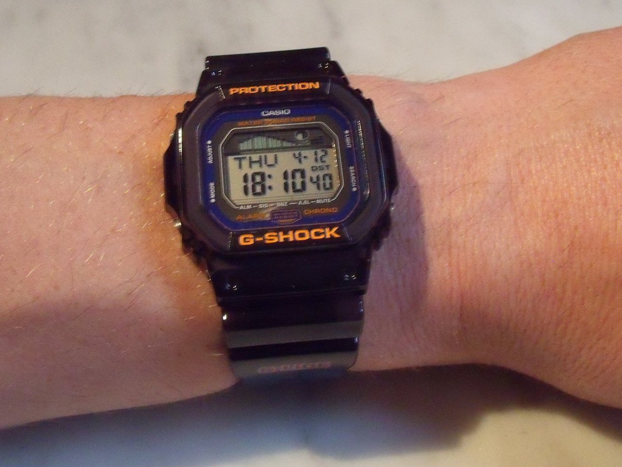 casio g shock uhr in orange oder mit orangenen akzenten. Black Bedroom Furniture Sets. Home Design Ideas