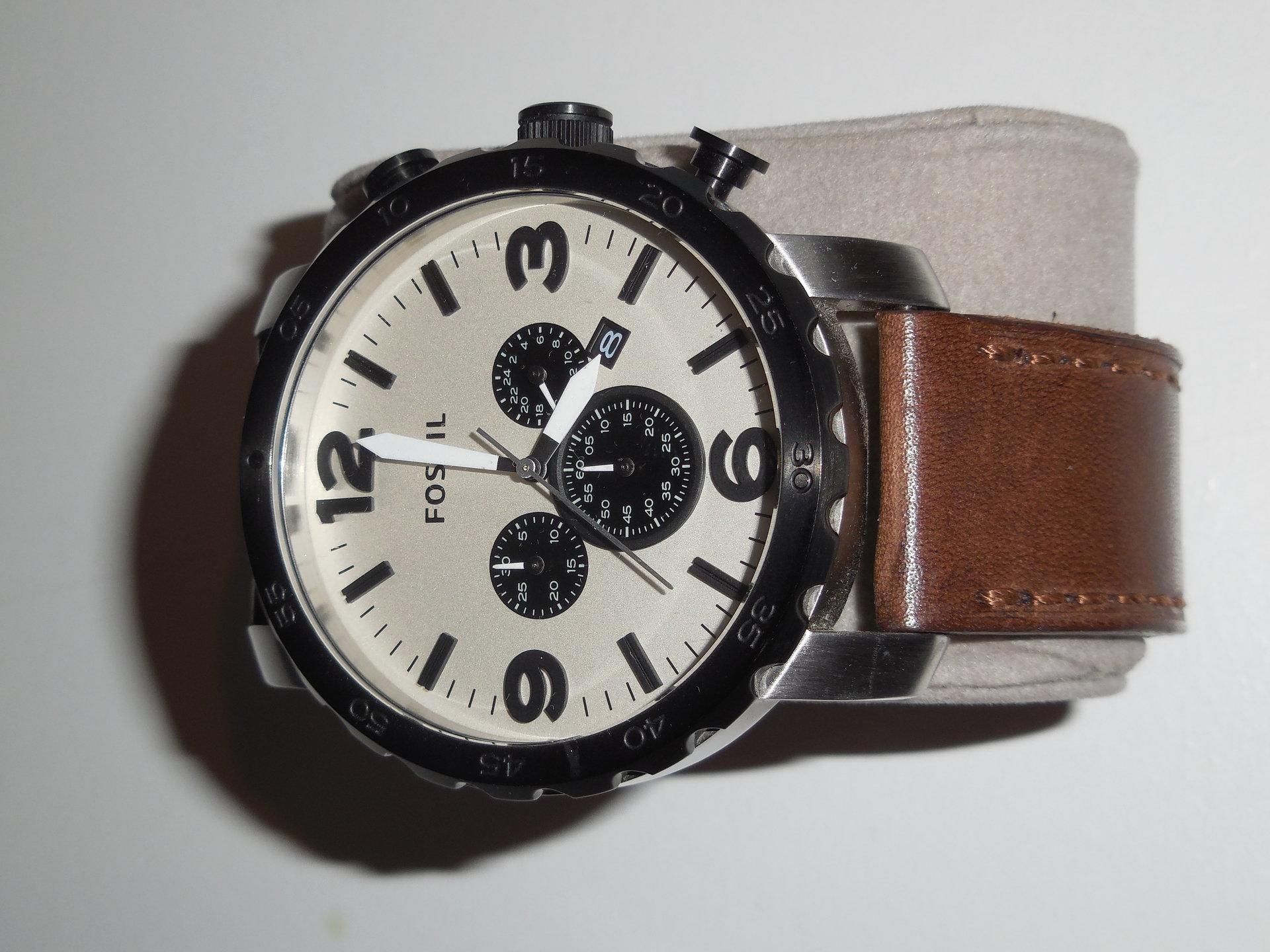 erledigt fossil nate herren xl chronograph leder braun. Black Bedroom Furniture Sets. Home Design Ideas