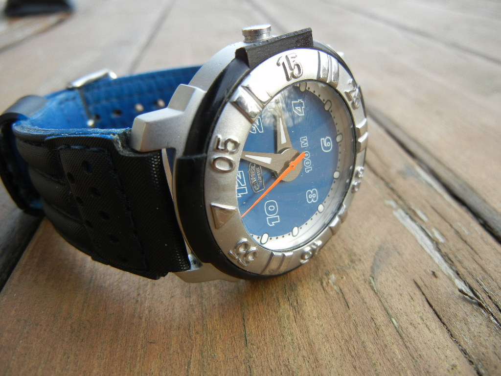 Erledigt camel trophy adventure watches sportlicher quarzer mit datum batterie neu uhrforum for Adventure watches