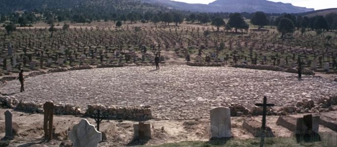 Name:  Friedhof.jpg Hits: 7027 Größe:  184,8 KB