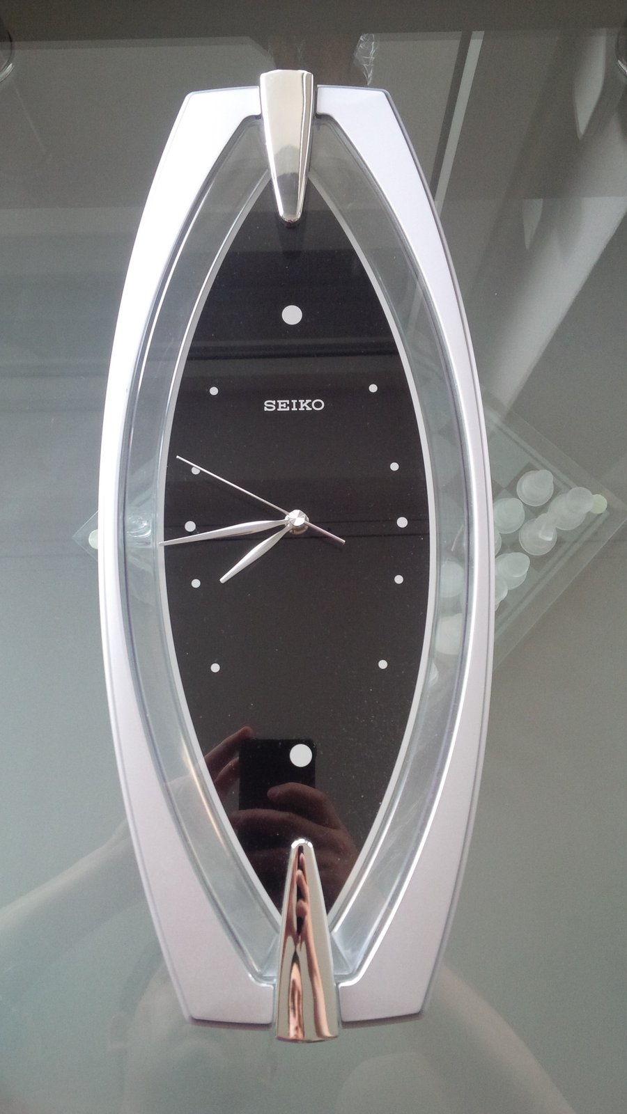 reserviert seiko wanduhr mit schleichender sekunde silber schwarz uhrforum. Black Bedroom Furniture Sets. Home Design Ideas