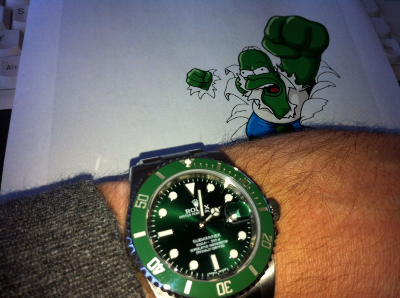 https://uhrforum.de/attachments/339620d1323868026-gruen-gruen-gruen-ist-alles-was-ich-hab-rolex-submariner-116610lv-hulk-mit-hulk.jpg