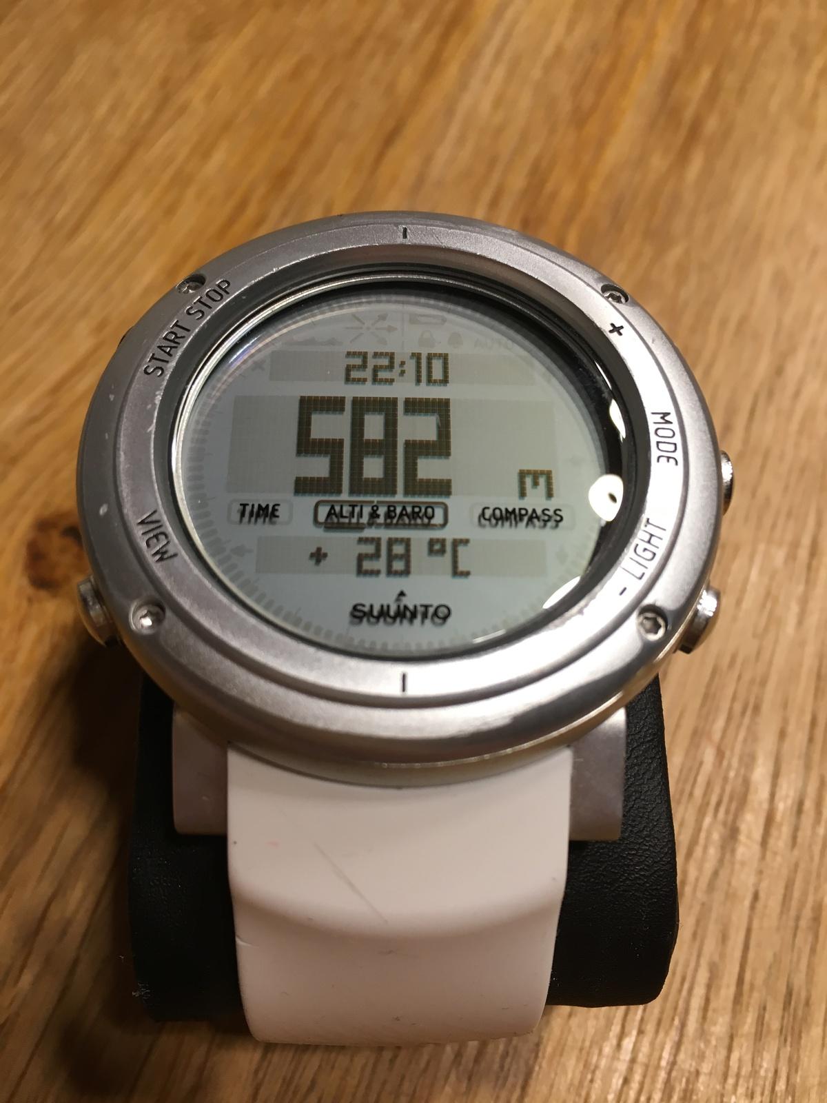 Verkauf Tausch Suunto Core Pure White Alu Ovp Outdoor Uhr Gps Watch Digital Img 0688