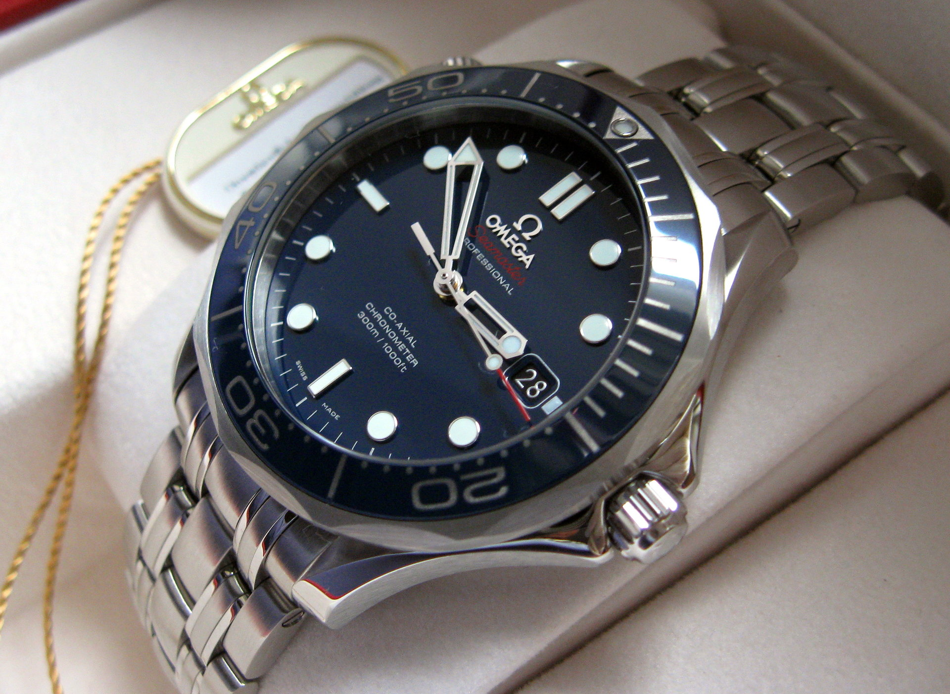 how to open omega seamaster