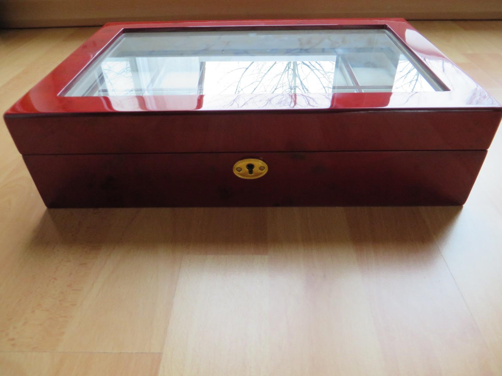 erledigt hochwertige uhrenbox f r 12 uhren aus holz in. Black Bedroom Furniture Sets. Home Design Ideas