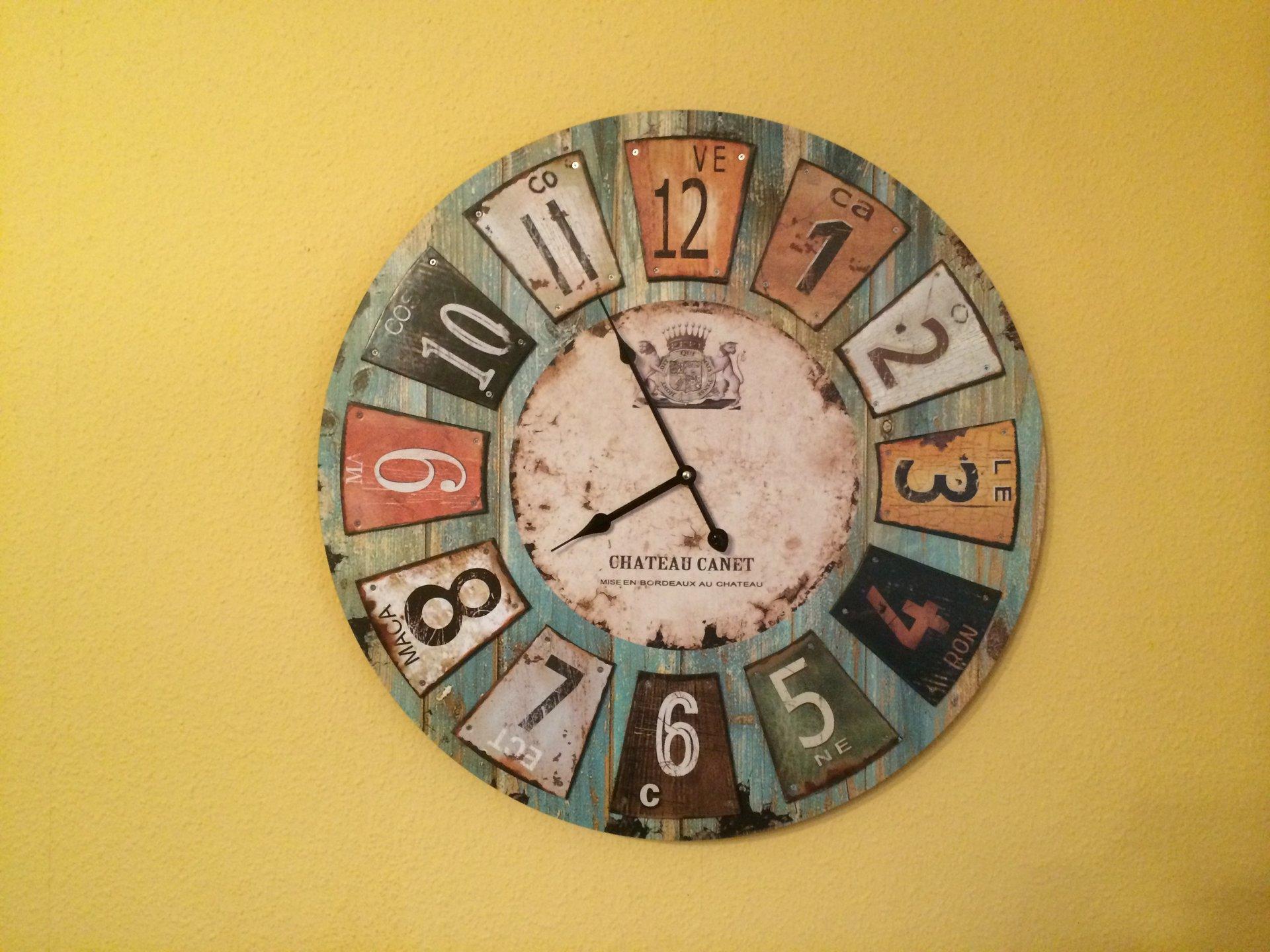 Schöne wanduhren wohnzimmer  Seltenheit? Wohnzimmer Uhr mit ein bischen Design inkl. Funk ...