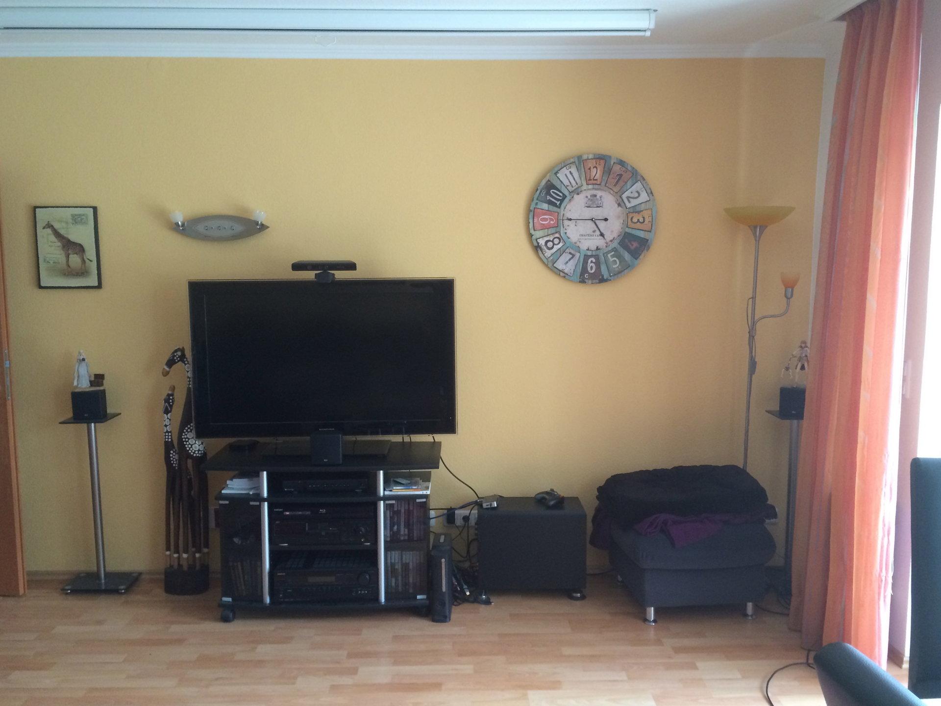 seltenheit wohnzimmer uhr mit ein bischen design inkl funk solar uhrforum. Black Bedroom Furniture Sets. Home Design Ideas