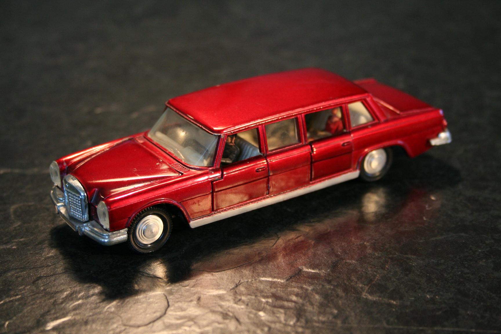 Spielzeugautos matchbox corgi siku und co