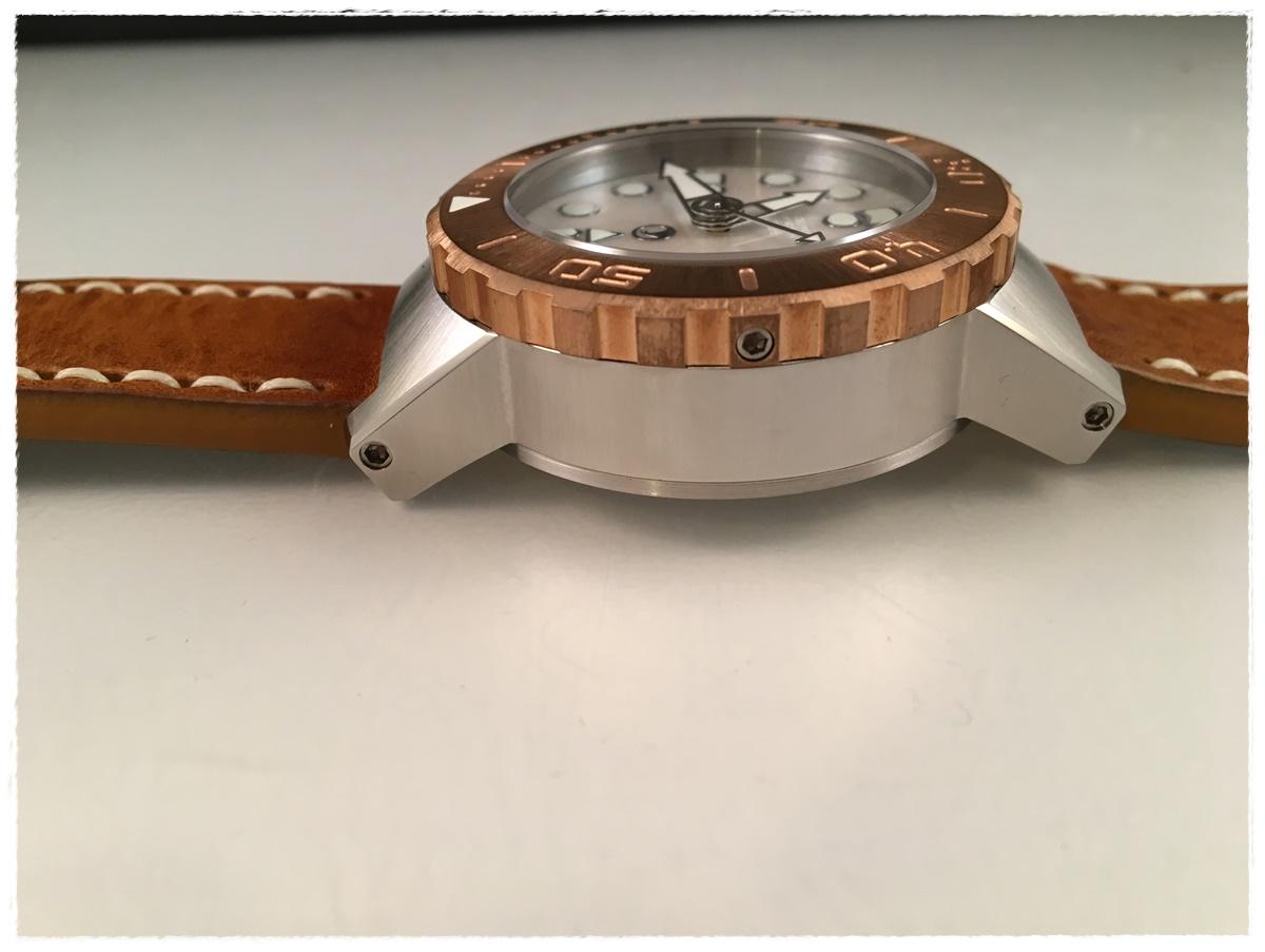 Erledigt] H2O Kalmar 1 MOP - Bronze Lünette und Crownguards - UhrForum