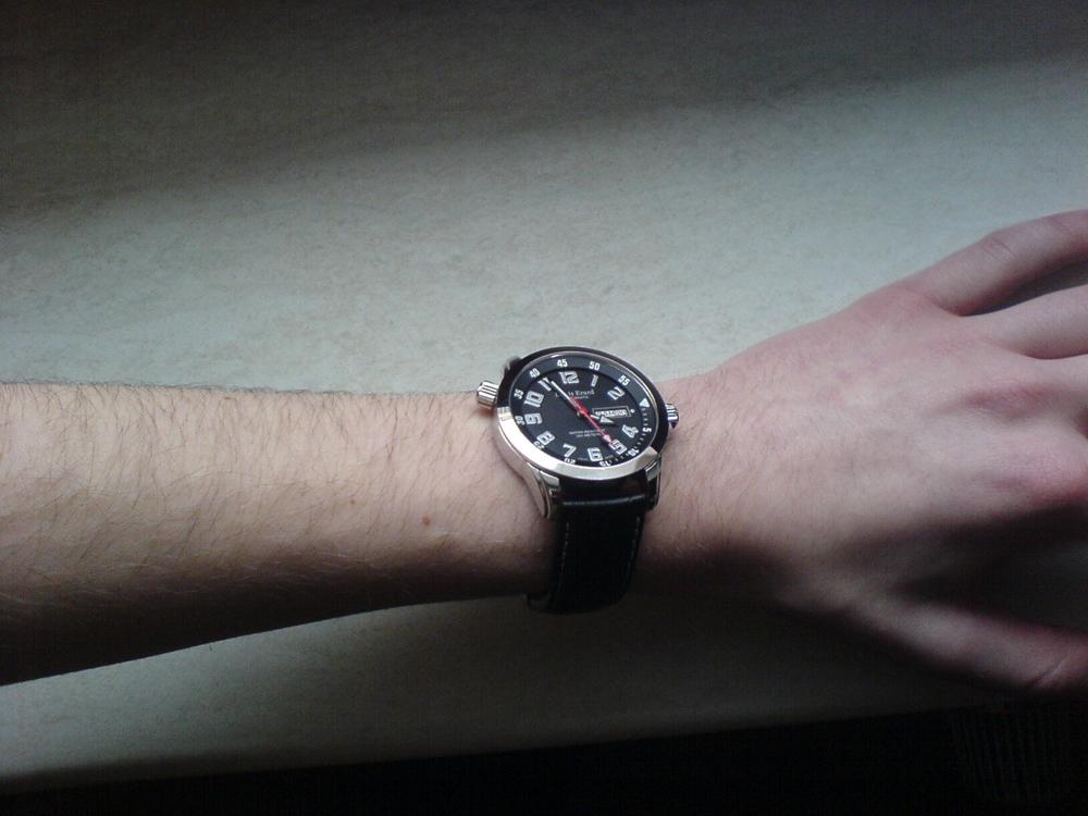 Handgelenke dünne Uhren für