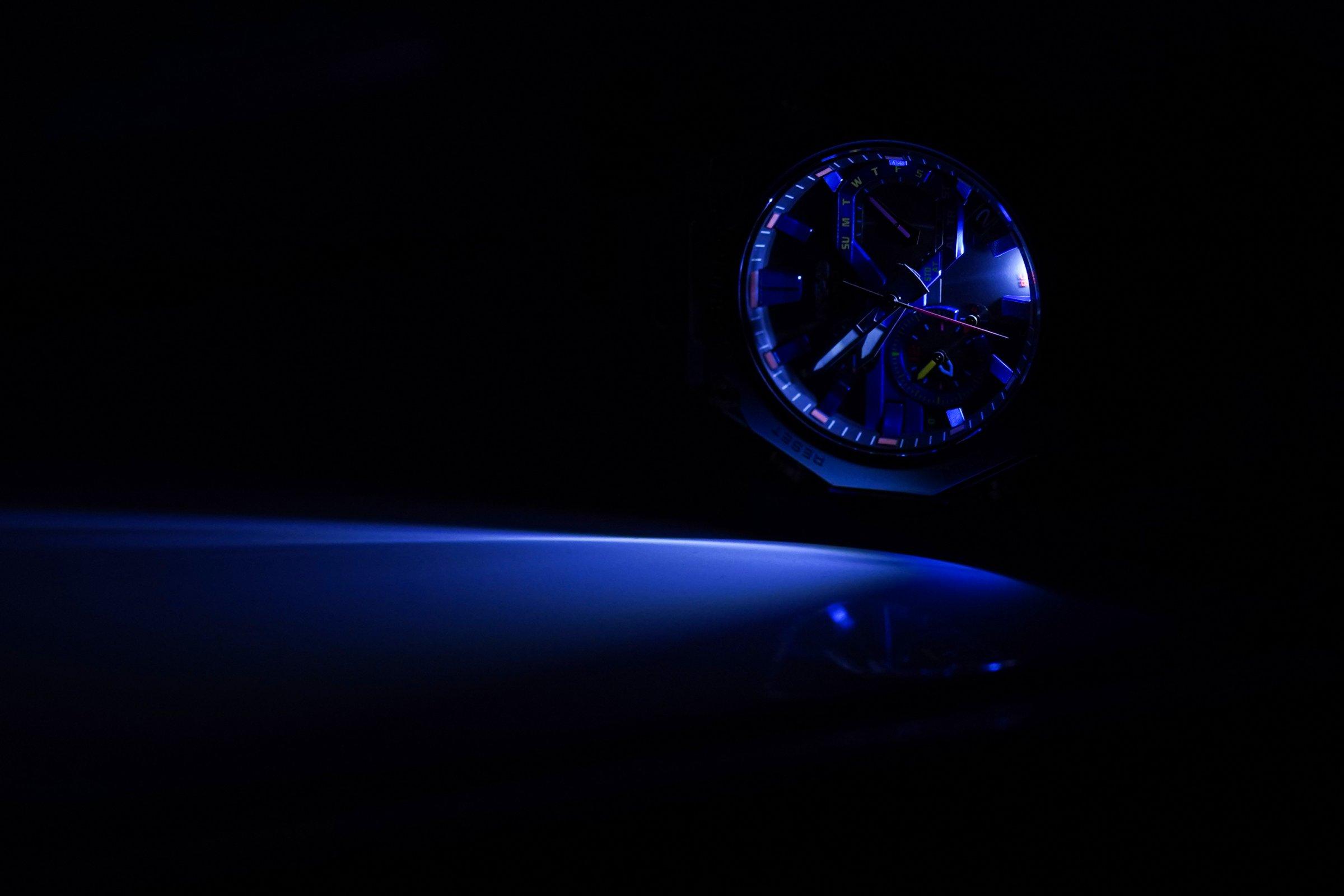 MTG-B2000PH-2AER-CASIO-G-SHOCK---LIGHT.jpg