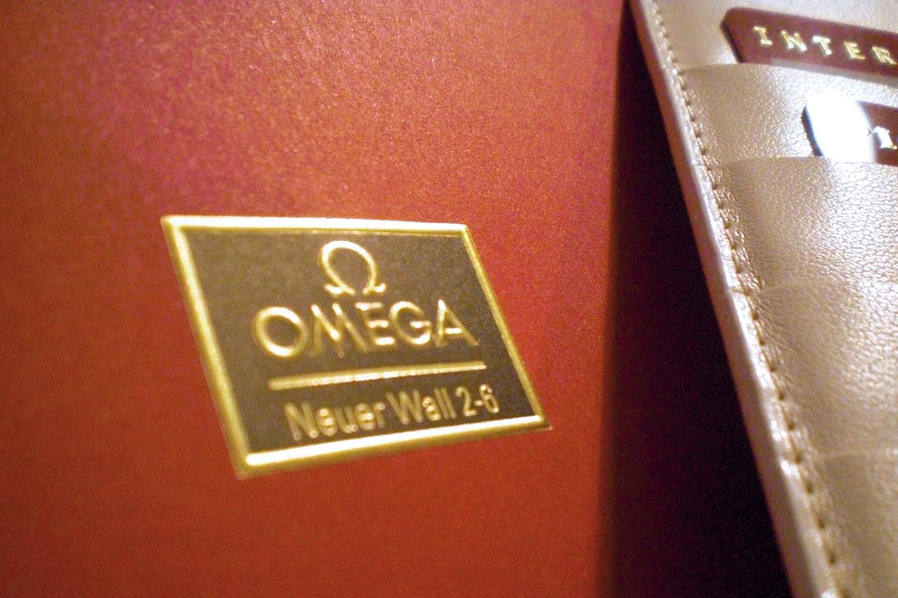 omega seamaster aus der boutique uhrforum. Black Bedroom Furniture Sets. Home Design Ideas