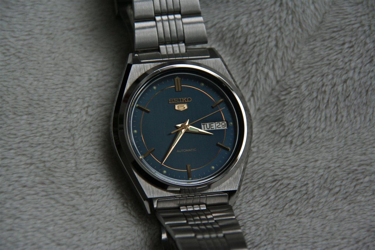 190599d1293648929-seiko-5-1983-kaliber-7009-blaues-ziffernblatt-seiko5_01small.jpg