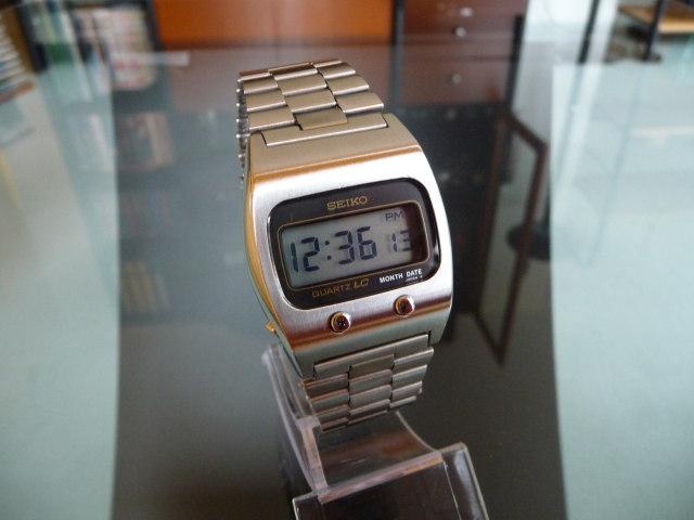 Электронные наручные часы картинки