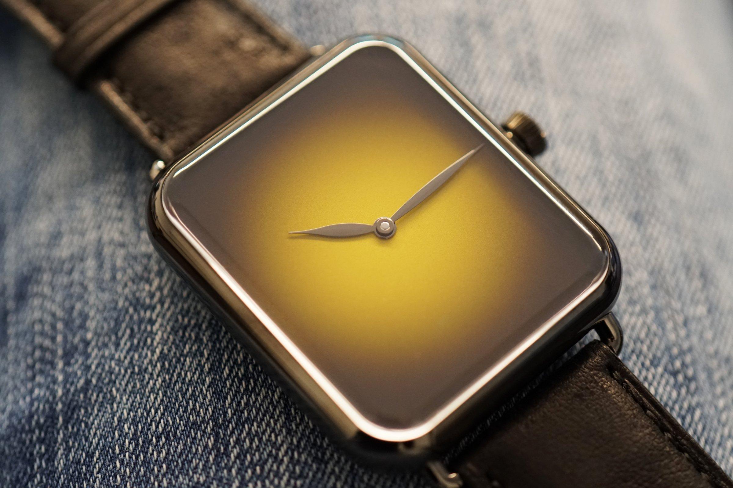 swiss_alp_watch_concept_dubai_limited_edition_5324-1204_lifestyle01.jpg