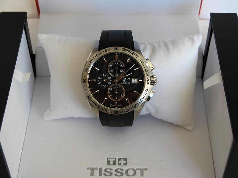 Kaufberatung neuer chronograph schwarzes zb vorzugsweise for Ecksofa bis 800 euro