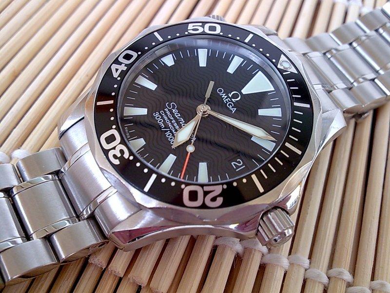 Omega-225250-3.jpg
