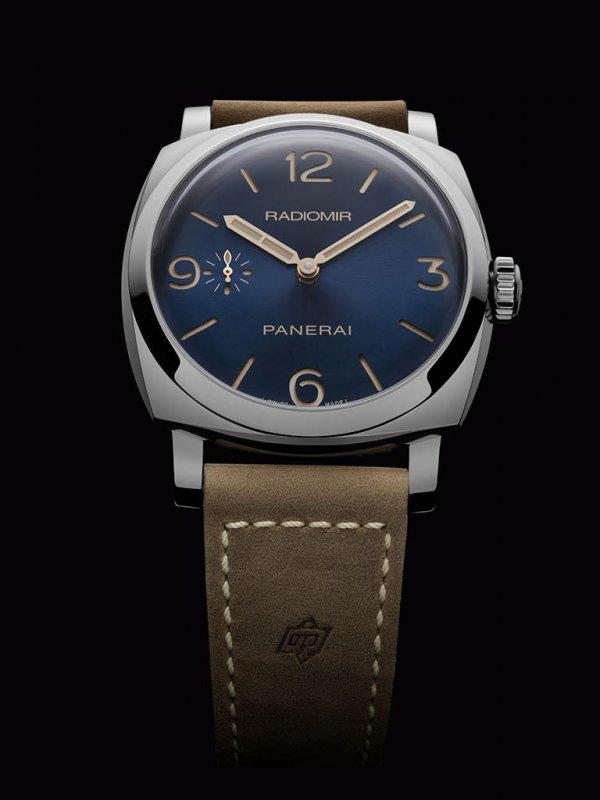 Officine-Panerai-Radiomir-Pam690-1.jpg