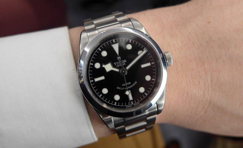 Tudor-BlackBay-36mm-wrist-2-940x572.jpg