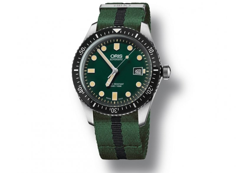 01-733-7720-4057-07-5-21-25FC-Oris-Divers-Sixty-Five_LowRes_6049.jpg