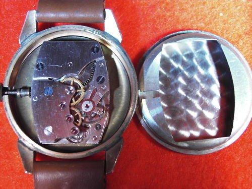 Mauthe Uhrwerk (schwarz).JPG
