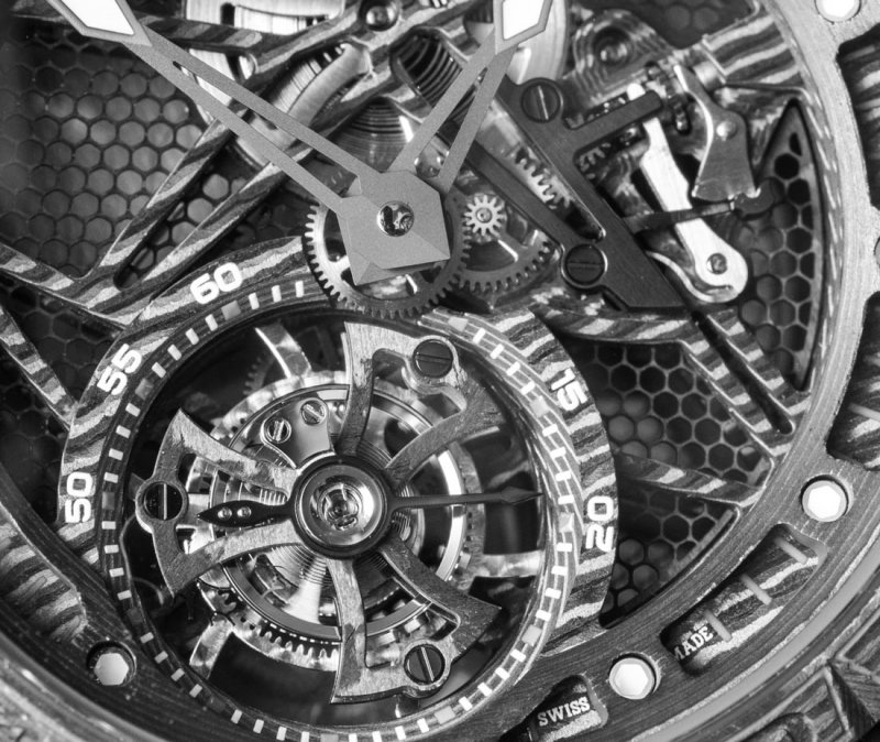 Roger-Dubuis-Excalibur-Spider-Carbon-Movement-Tourbillon-Skeleton-2017-aBlogtoWatch-3.jpg