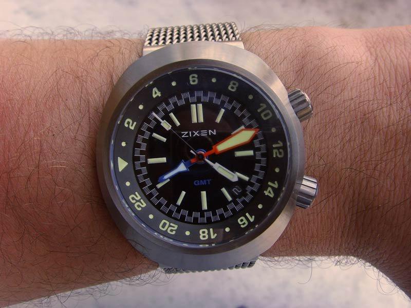 Wristshot-Zixen-2.jpg