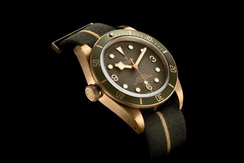 Tudor-Black-Bay-Bronze-One-LHD-khaki-green-dial-Only-Watch-2017-1.jpg