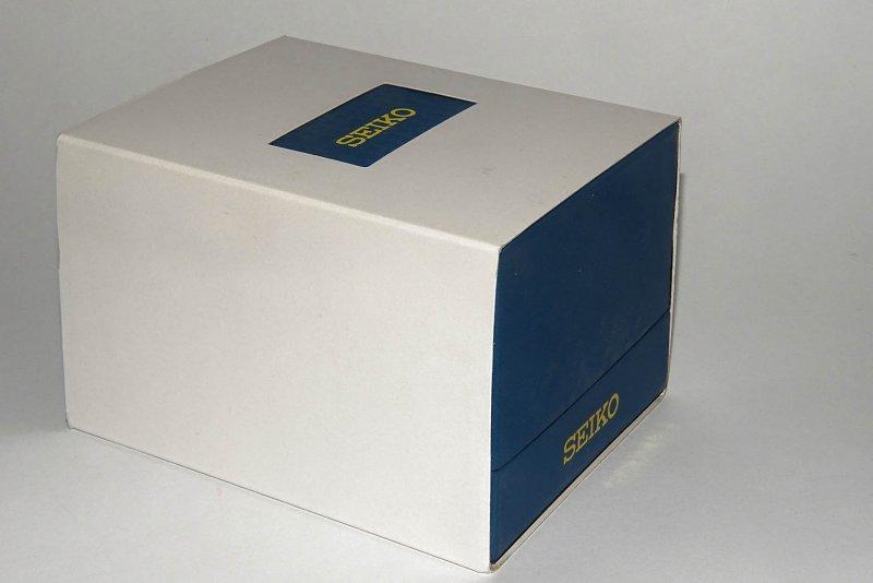 box_in_umverpackung_seiko-excelsior_2018.jpg