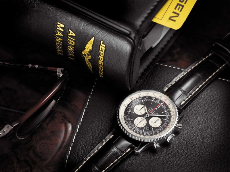 Breitling-Navitimer-1-B01-Chronograph-Watch-02.jpg