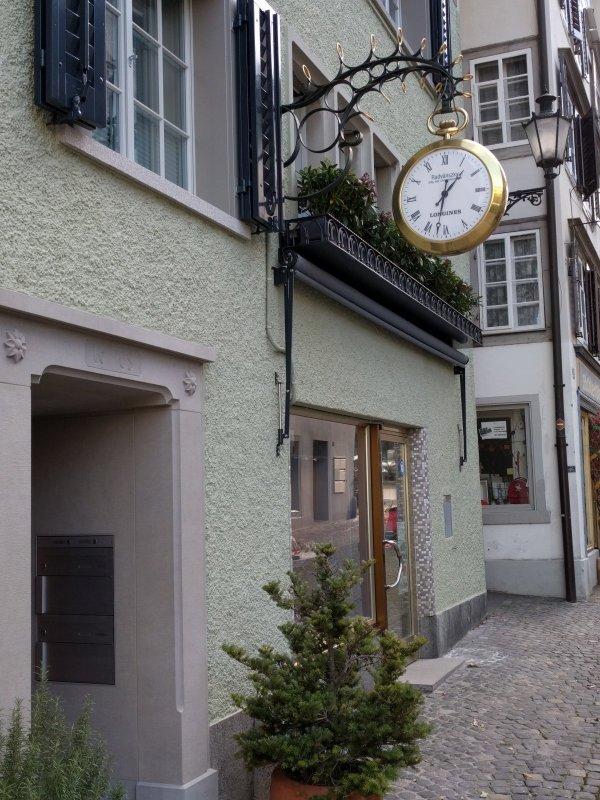 Ladenuhr_Horgen_181117.jpg