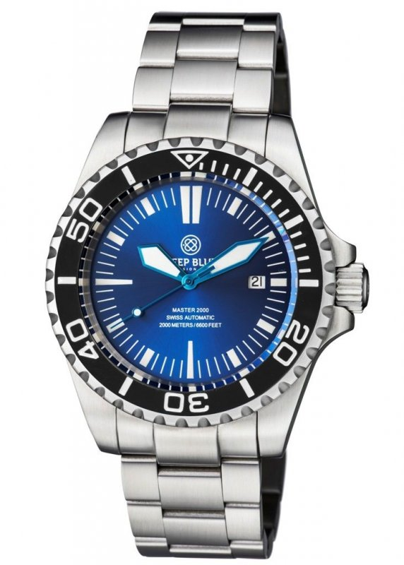 master-2000-swiss-automatic-diver-black-blue-sunray-dial-blue-hands-28.jpg