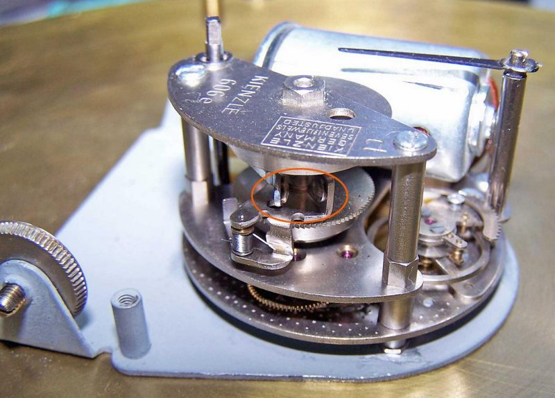 5725-Der-Aufzugsmechanismus.JPG