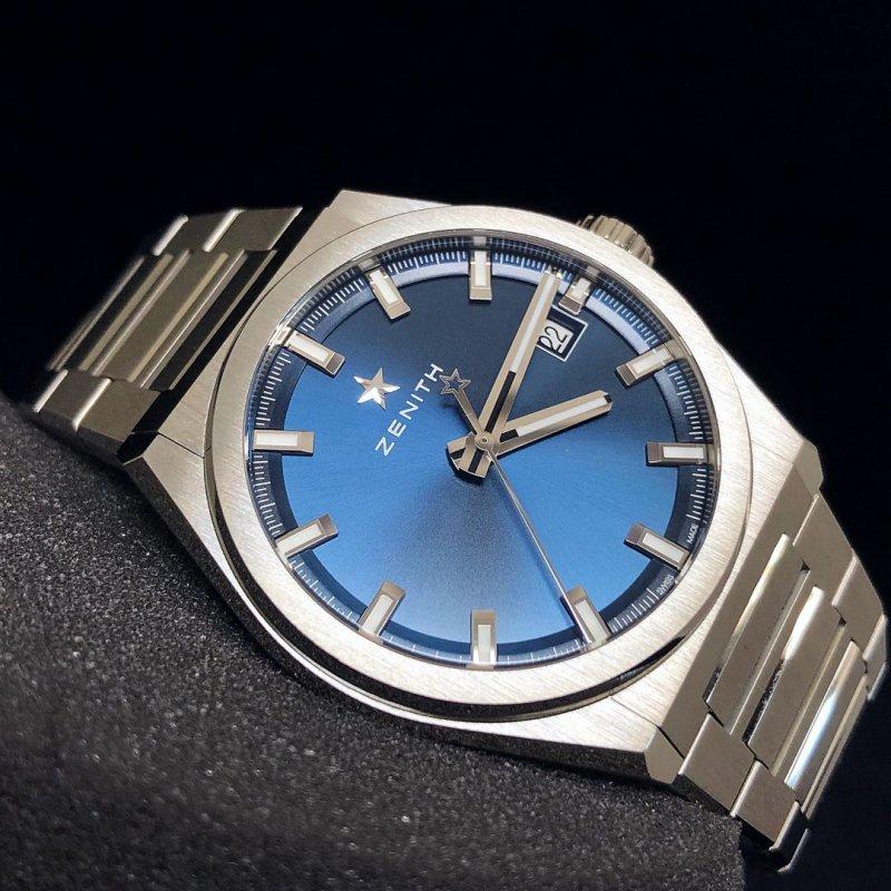 fsbnib_zenith_defy_classic_blue_titanium_41mm_automatic_watch_95900067051m9000_1535638287_2f3f...jpg