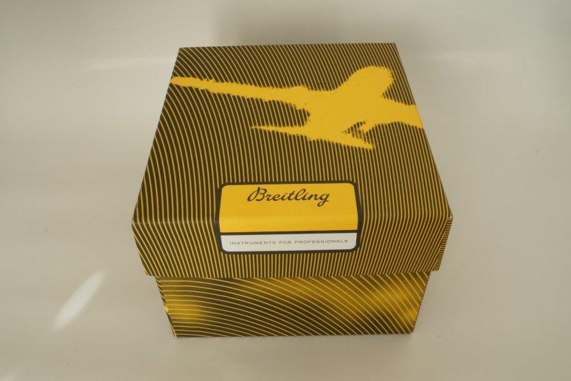 Breitling-Navitimer-D23322-1.jpg