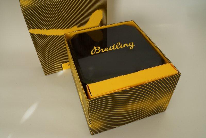 Breitling-Navitimer-D23322-2.jpg