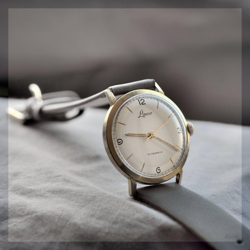 Goldene Uhren