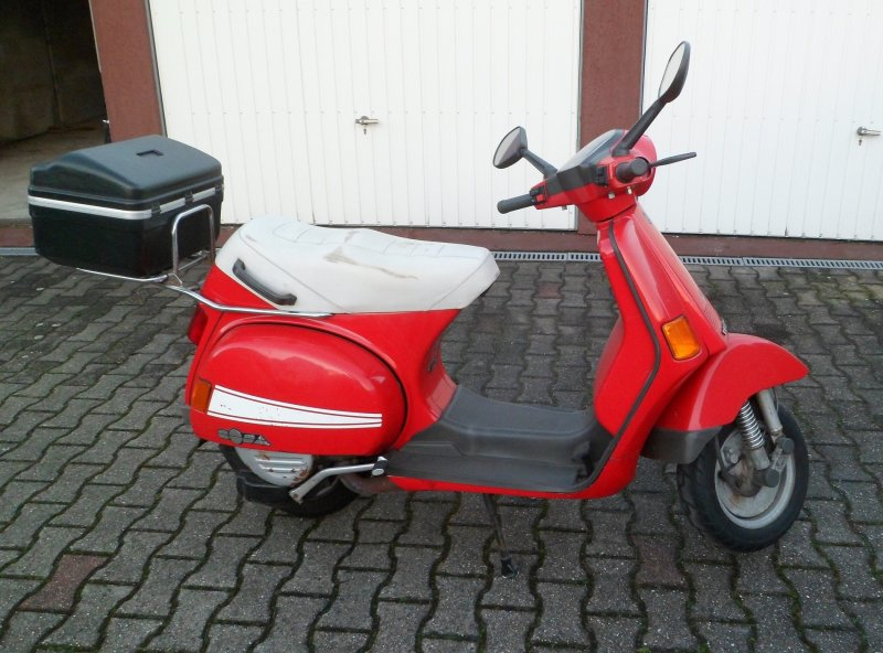 Vespa Cosa 200.jpg