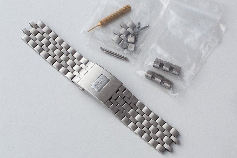 IWC3777 bracelet 01.jpg