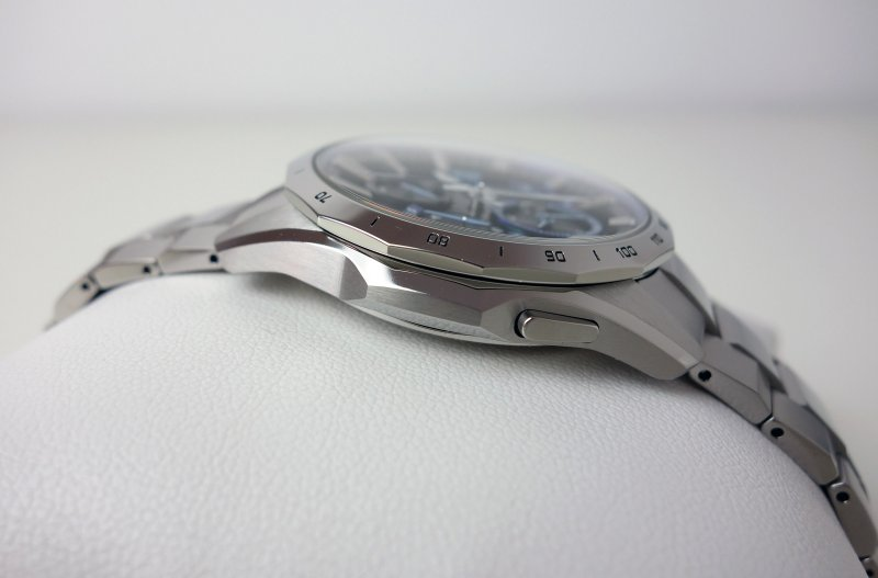 Casio_Oceanus_OCW-S4000-1AJF_004.jpg